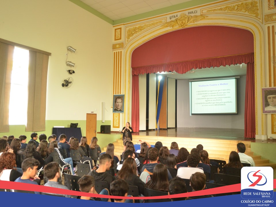 OAB vai à Escola - Palestra com a Dra. Xarmeni Neves